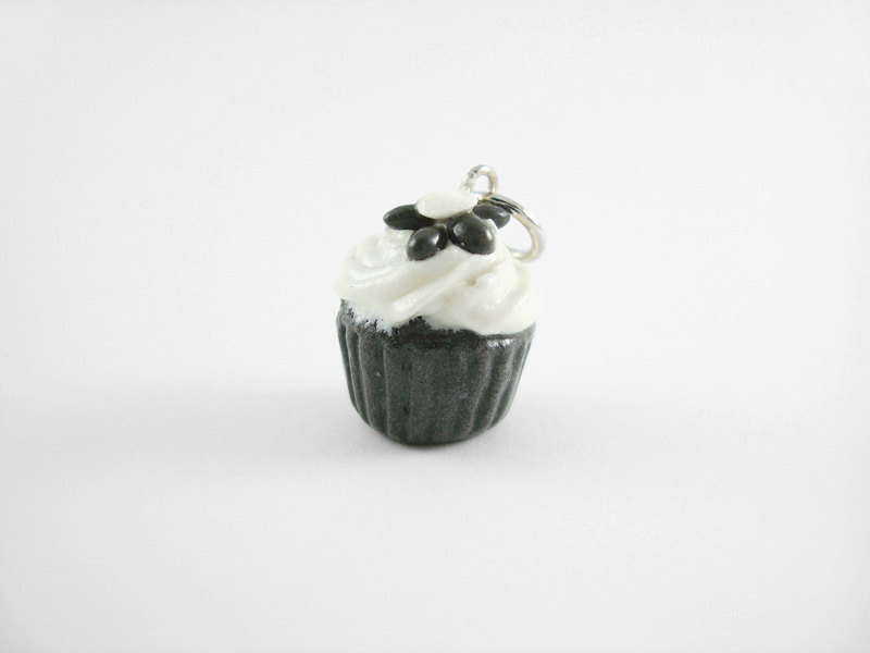 Miniature Charm Black and White Daisy Cupcake