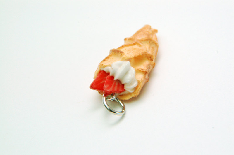Miniature Waffle Crepe Charm - Cinnamon w/ Strawberries