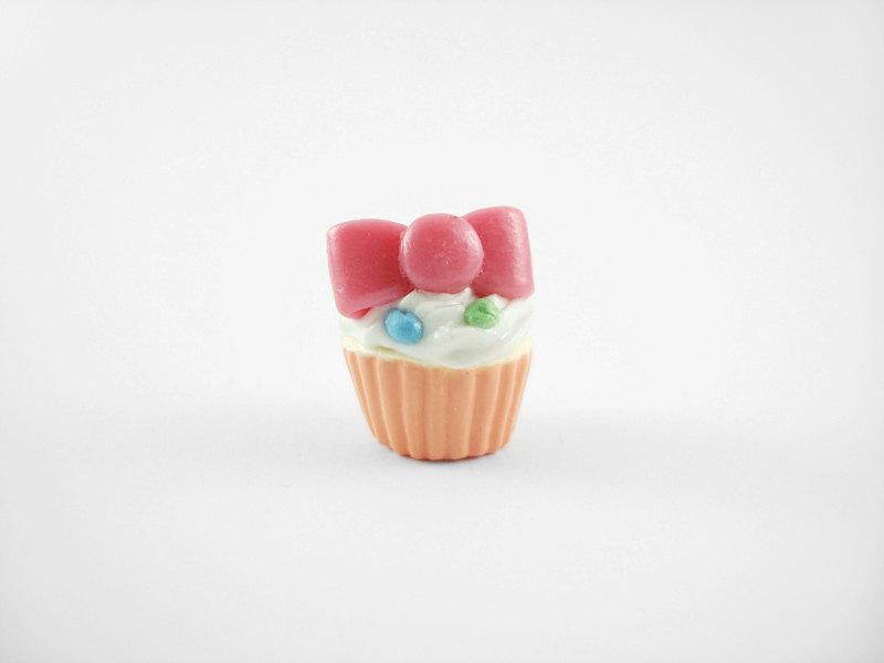 Miniature Charm Bow Cupcake Peach