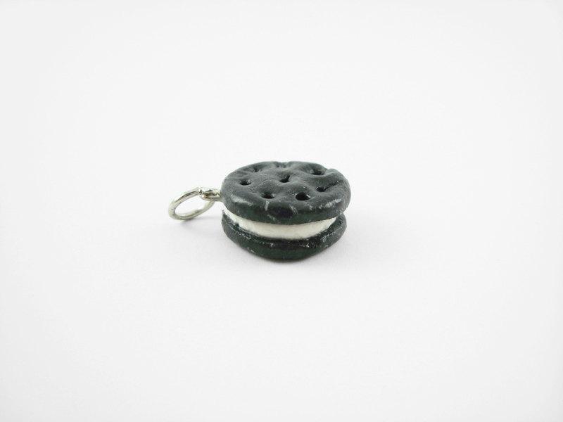 Miniature Charm Cookie Sandwich Round Vanilla Icing